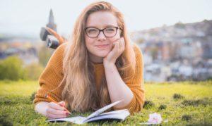 アメリカ大学の年間スケジュールは?夏休み冬休みの期間、テスト、入学卒業、飛び級の仕組みやシステム